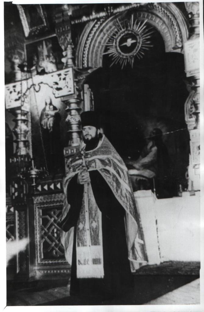 Предположительно отец Михаил Кит, который построил каменную церковь, ныне существующую.